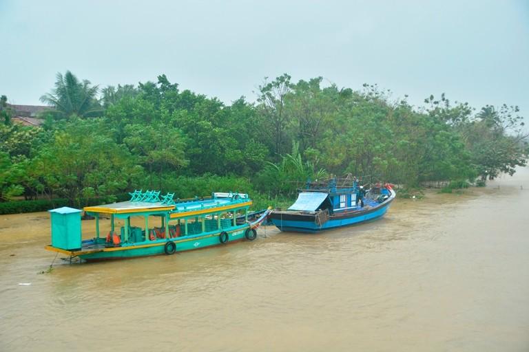 Hội An cấm thuyền chở khách du lịch trong bão