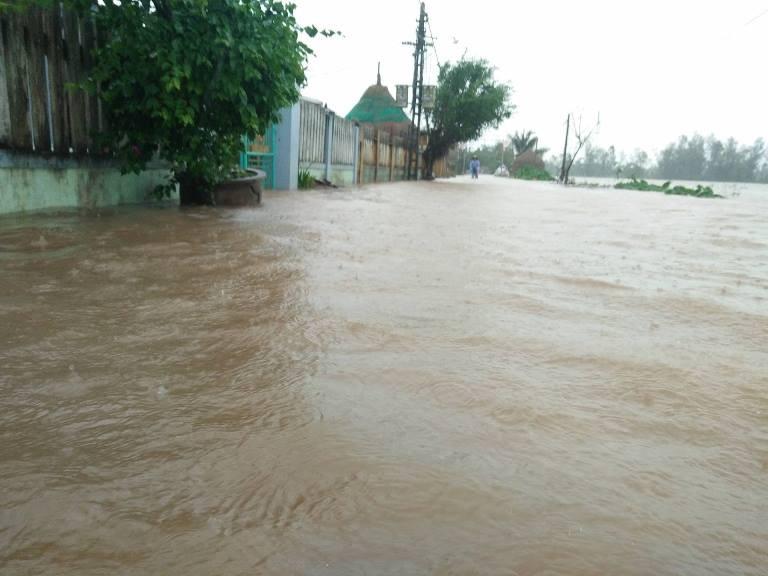Quảng Nam ngập nặng sau bão số 12 - ảnh 5