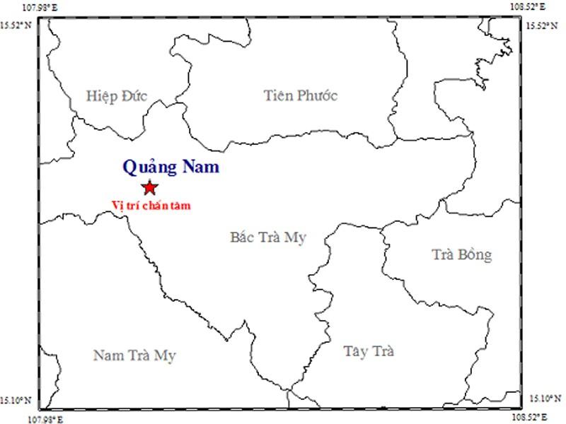 Nhiều người dân Quảng Nam chạy khỏi nhà vì động đất - ảnh 1
