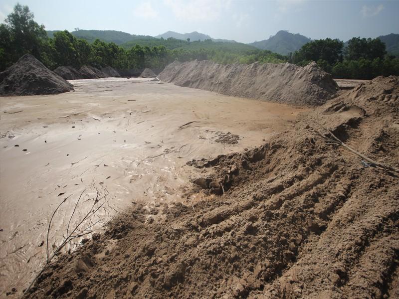 Lãnh đạo Quảng Nam chỉ đạo sau vụ vỡ đập thải mỏ vàng - ảnh 1