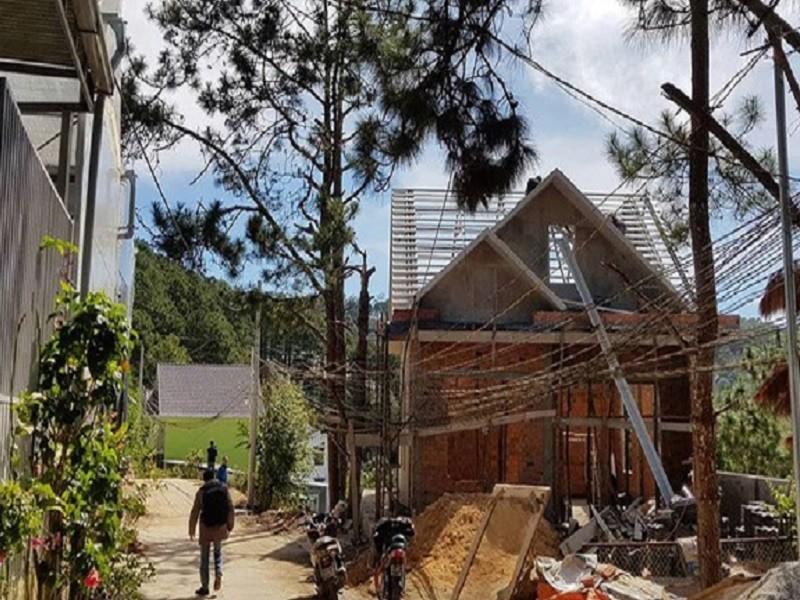 Đà Lạt: Bị phạt 15 triệu vì xây dựng công trình không phép - ảnh 1