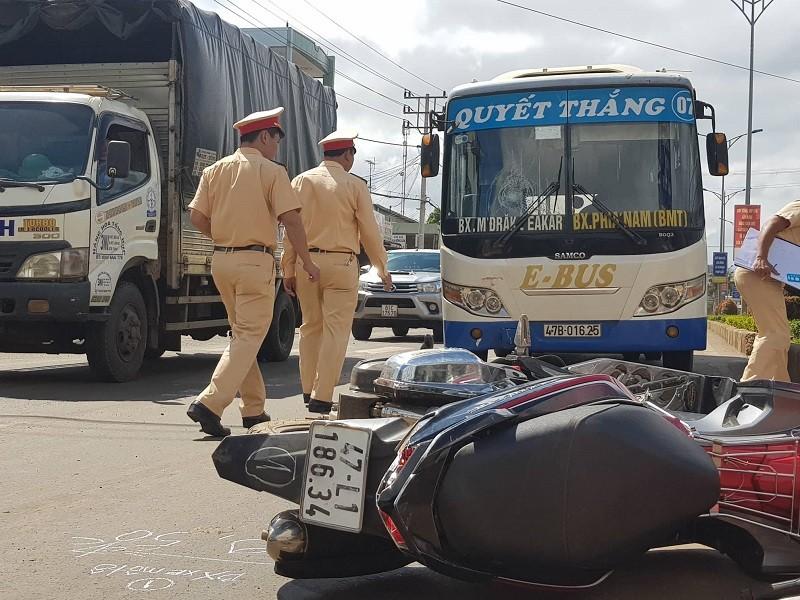 Việt kiều 90 tuổi lái xe tử nạn sau va chạm xe máy - ảnh 2