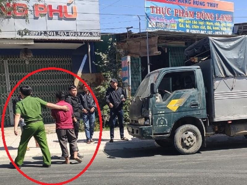 Bắt giữ tài xế nghi tông chết cán bộ kiểm lâm - ảnh 1