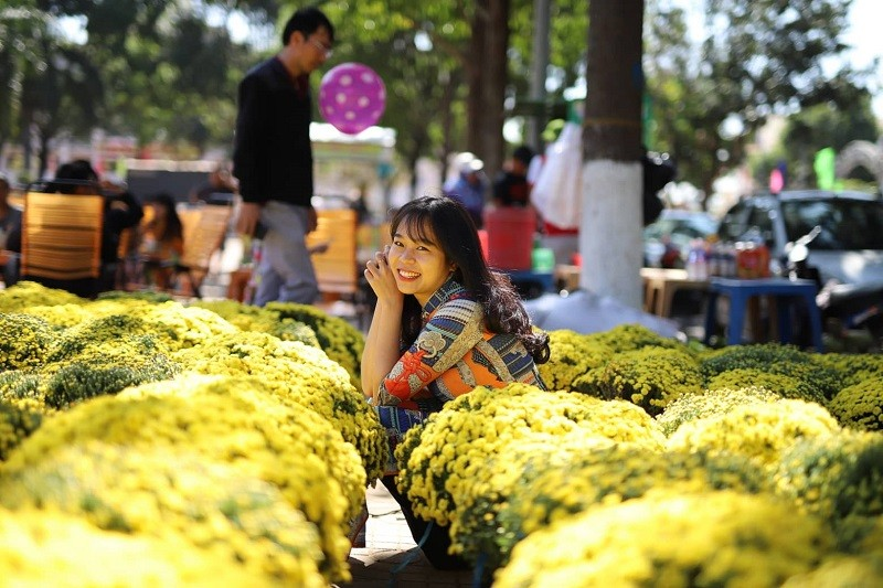 Mê mẩn với chợ hoa Ban Mê chiều cuối năm - ảnh 5