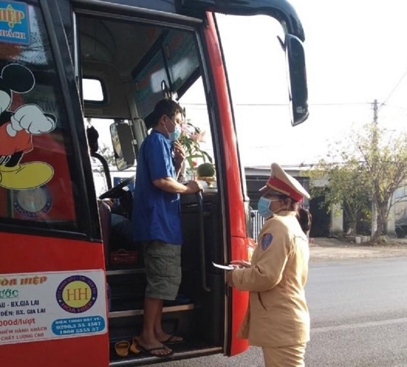 Bịa tin về Corona, 2 người ở Đắk Nông bị phạt 20 triệu  - ảnh 2