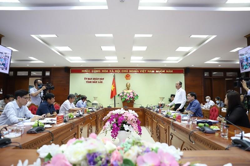 Thứ trưởng Bộ Y tế kiểm tra phòng, chống COVID tại Đắk Lắk - ảnh 1