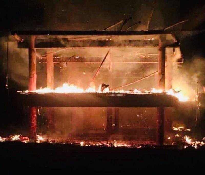 Kon Tum: Cháy nhà rông văn hóa huyện Đắk Tô - ảnh 1