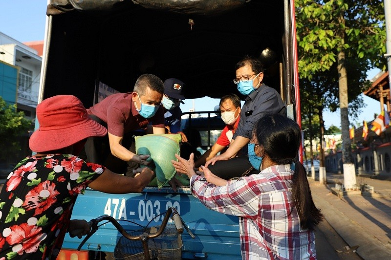 Đắk Lắk: Nhiều hình thức hỗ trợ trong mùa dịch - ảnh 1