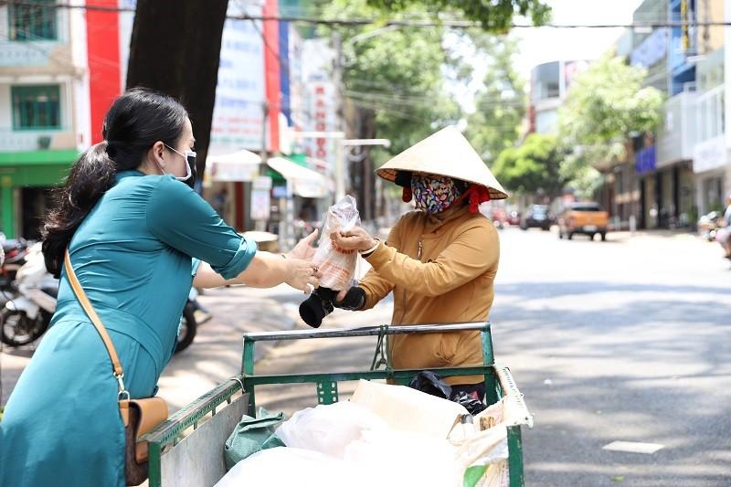 Đắk Lắk: Nhiều hình thức hỗ trợ trong mùa dịch - ảnh 9