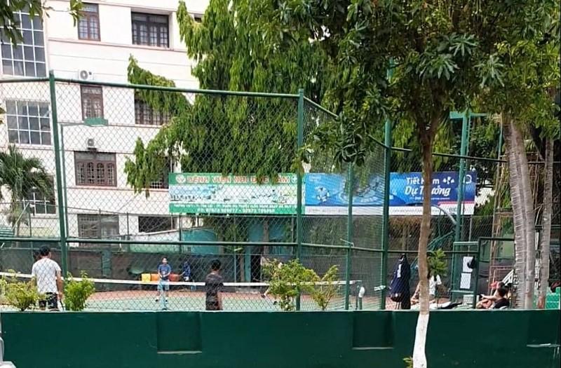 Đắk Lắk: Quảng trường, sân tenis… vẫn đông người - ảnh 3