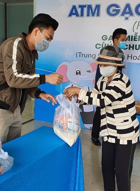 Hơn 120 tấn gạo đến tay người nghèo Đắk Lắk - ảnh 5