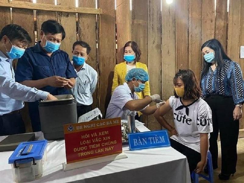 Bộ Y tế thị sát tình hình dịch bạch hầu ở Đắk Nông - ảnh 2