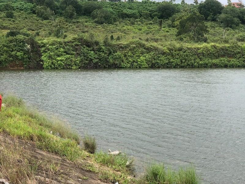 Phát hiện thi thể người đàn ông trên hồ thủy lợi - ảnh 1