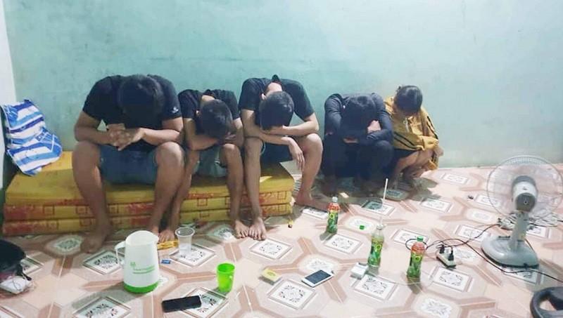 Phát hiện hai người mang ma túy vào nhà nghỉ - ảnh 1