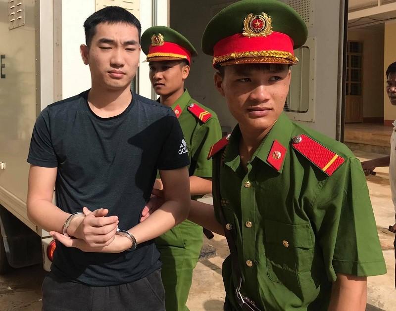 Đâm chết bạn nhậu, bị cáo Hồ Hoàn Kiếm lãnh 10 năm tù - ảnh 1