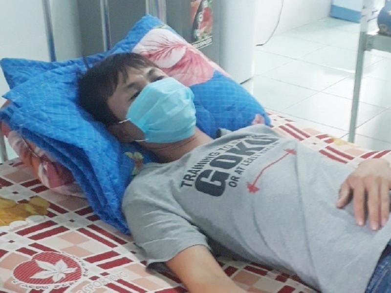 Bác sĩ và điều dưỡng 1 bệnh viện bị tấn công  - ảnh 1