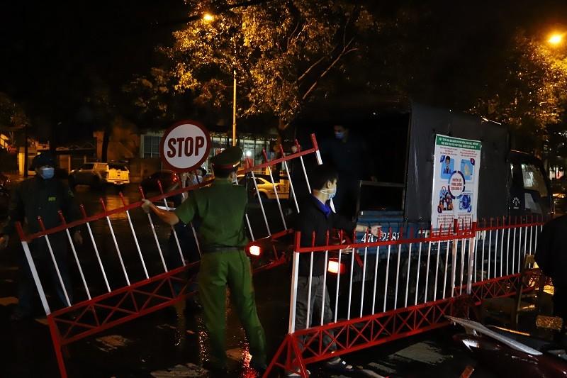 Ảnh: Cận cảnh tháo dỡ 4 khu phong tỏa ở Đắk Lắk - ảnh 10