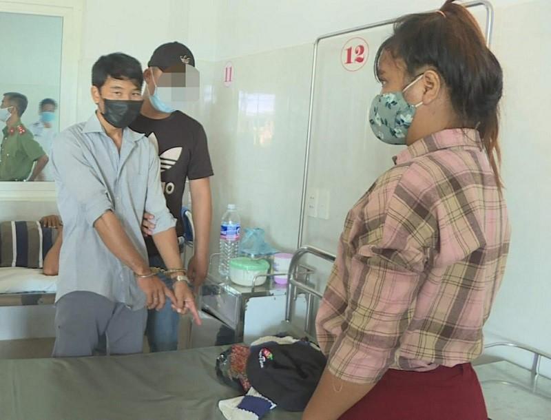 2 người nghiện vào bệnh viện trộm của bệnh nhân - ảnh 1