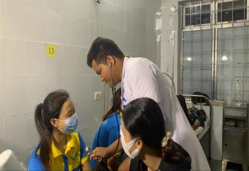 Hàng chục công nhân nhập viện nghi do ngộ độc thực phẩm - ảnh 1