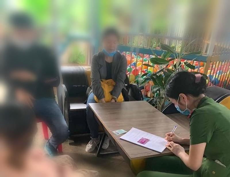 Nữ hộ sinh tiêm vaccine bạch hầu 'chui' bị phạt 30 triệu đồng - ảnh 1