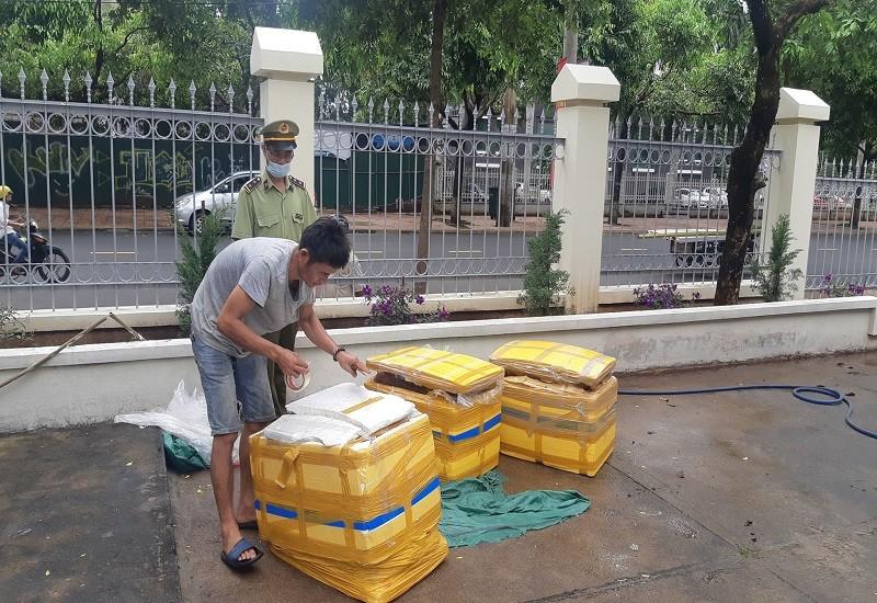 CSGT chặn xe tải chở thịt thối từ Quảng Nam lên Đắk Lắk  - ảnh 1