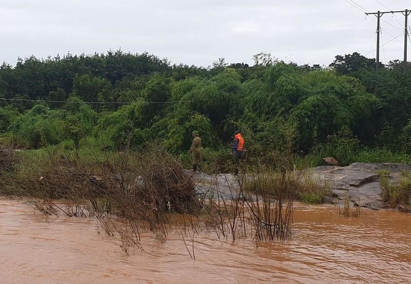 1 phụ nữ bị nước cuốn trôi ở suối Cam Ly - ảnh 1