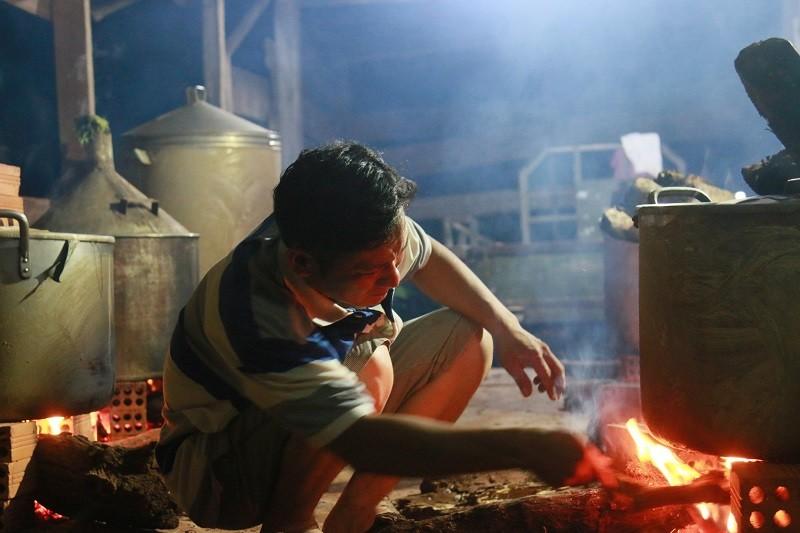 Người dân Đắk Lắk gói bánh tét gửi tặng đồng bào miền Trung  - ảnh 4