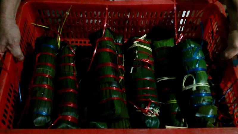 Người dân Đắk Lắk gói bánh tét gửi tặng đồng bào miền Trung  - ảnh 7
