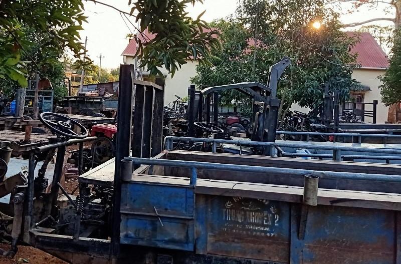 Điều tra vụ điều cả đoàn xe công nông vào rừng cộng đồng - ảnh 3