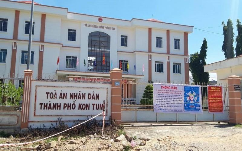 Bắt thẩm phán TAND TP Kon Tum nhận hối lộ - ảnh 1