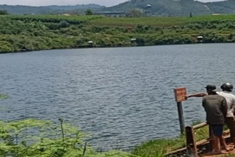 Lâm Đồng: Phát hiện thi thể nổi trên mặt hồ - ảnh 1