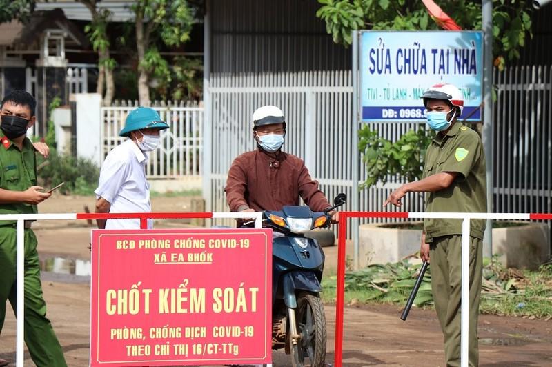 Đắk Lắk: Tiếp tục có người mắc COVID liên quan nhân viên nhà xe Tiến Oanh - ảnh 1