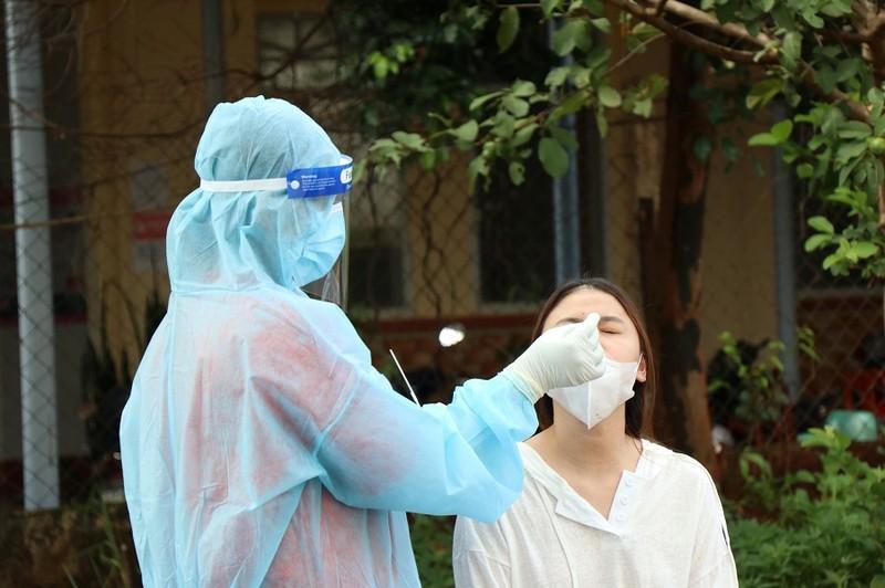 Làm rõ thông tin 1 chi nhánh ngân hàng đưa người ngoài vào tiêm vaccine COVID-19 - ảnh 1