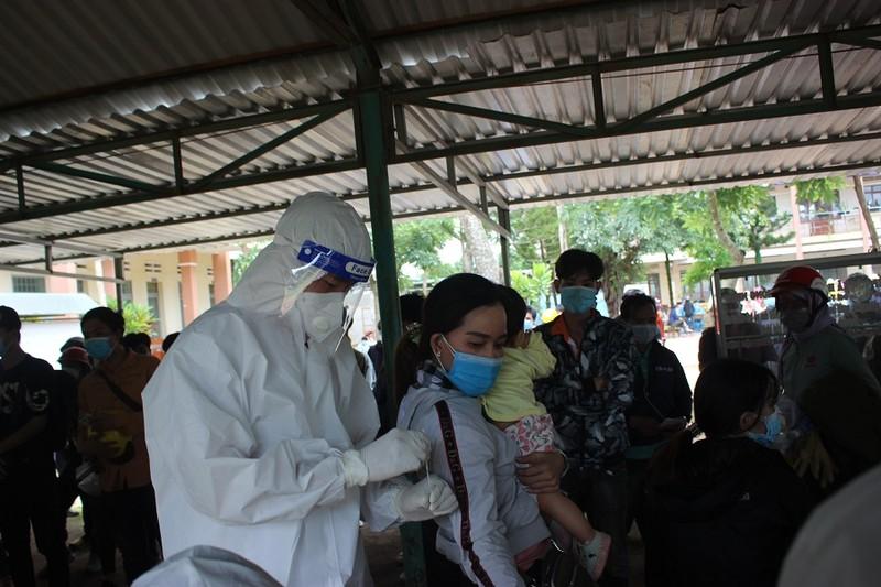 Gần 10.000 người rời các tỉnh phía Nam về Tây Nguyên  - ảnh 5