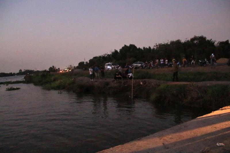 Bình Dương: Phát hiện xác một người phụ nữ gần bờ sông - ảnh 1