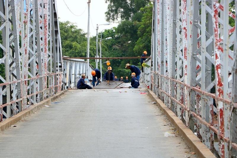 Người dân tiếc nuối khi cây cầu hơn 100 năm tuổi bị tháo dỡ - ảnh 9
