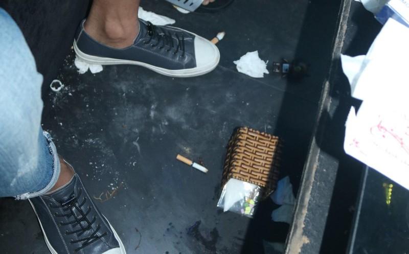 Đột kích quán bar phát hiện hàng chục người sử dụng ma túy - ảnh 2
