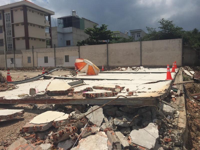 Sập tường, 2 công nhân tại Bình Dương bị đè chết - ảnh 1