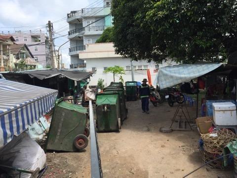 Dân phản đối trạm ép rác ngay trung tâm thị xã - ảnh 3