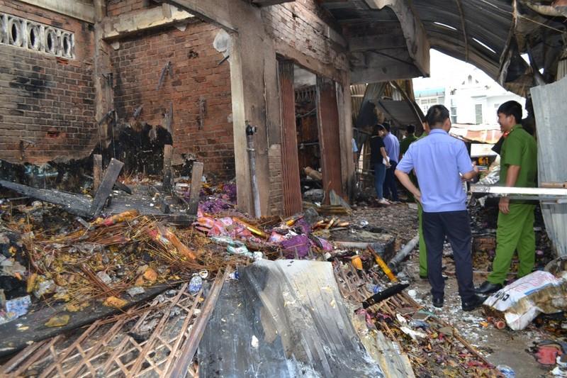 Cháy chợ Bình Long nghi do đốt vàng mã - ảnh 2