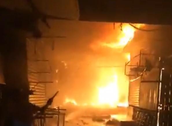 Điều tra nguyên nhân vụ cháy tại chợ Bình Long - ảnh 1