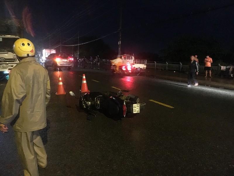 Truy tìm người chạy xe máy gián tiếp làm chết người đi đường - ảnh 1