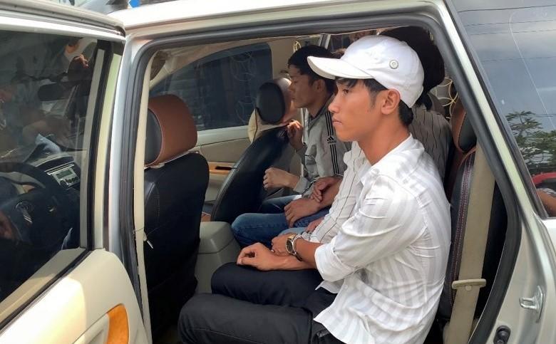 Bình Dương: Hình sự nổ súng bắt nhóm người mang dao tẩu thoát - ảnh 2