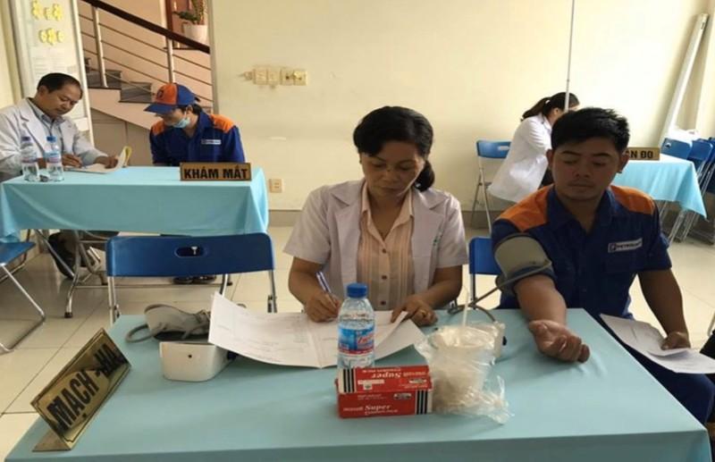 Sở Y tế Bình Dương lý giải về vụ nhân viên tạp vụ thành y tá - ảnh 1
