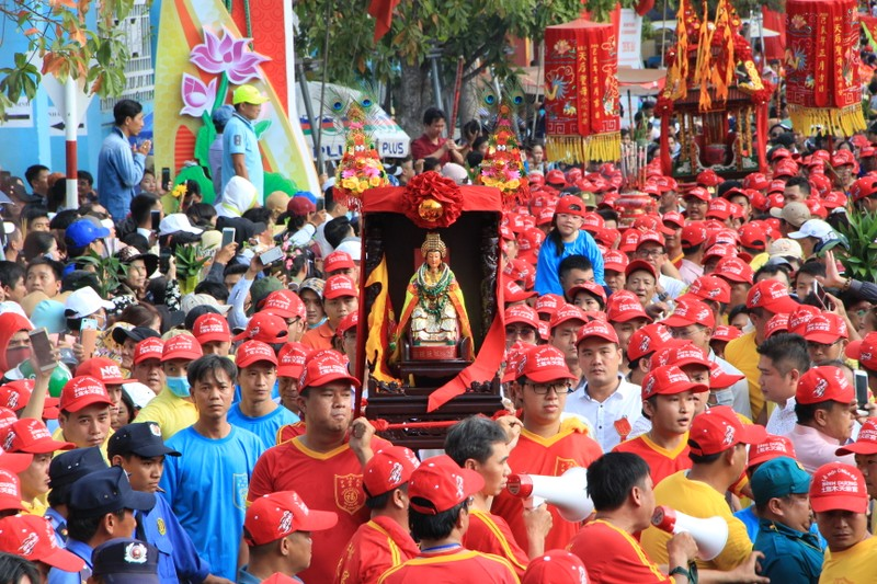 Bình Dương đề nghị người Trung Quốc nghỉ tết hết ngày 15-2 - ảnh 2