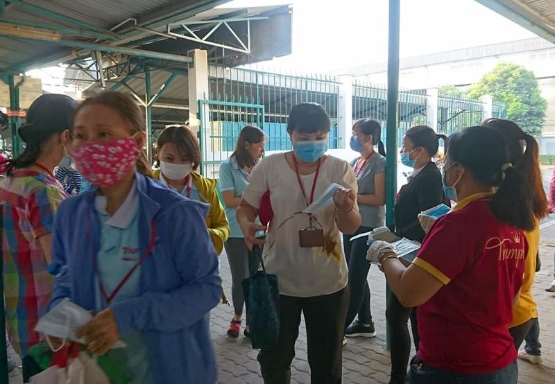 Hình ảnh công nhân Bình Dương phòng, chống virus Corona - ảnh 9