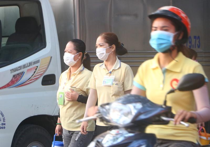 Hình ảnh công nhân Bình Dương phòng, chống virus Corona - ảnh 2