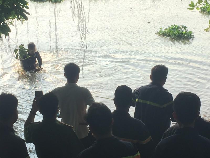 2 học sinh lớp 7 tắm sông ở Bình Dương, 1 em mất tích - ảnh 3