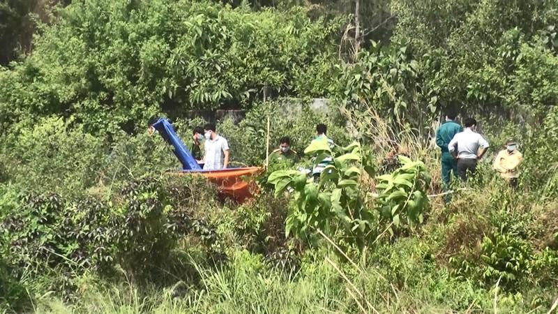 Nam thanh niên chết bất thường dưới ao cạn nước ở Bình Dương - ảnh 2
