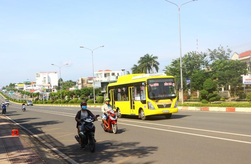 Bình Dương tạm dừng hoạt động tất cả các tuyến xe buýt  - ảnh 1